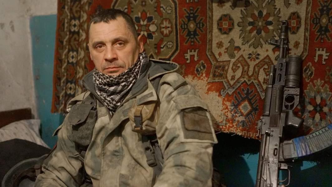 Луганчанин с позывным Богатырь, в хате-казарме, поселокДонецкии?