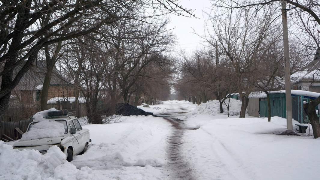 Ночью в Донецком стреляют, днем — спокои?но