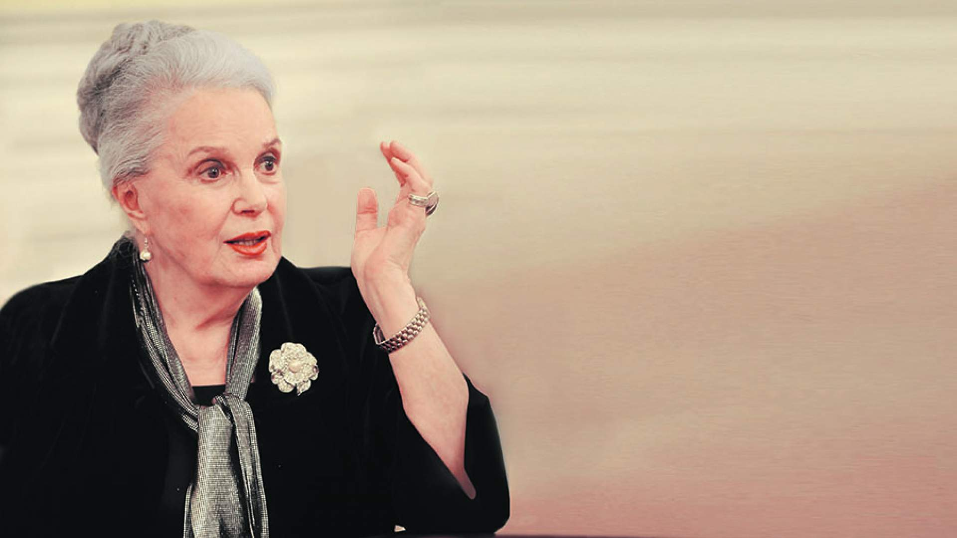 Любимица млн созерцателей, национальная артистке Советского Союза, чудесная Элина Быстрицкая отмечает юбилей