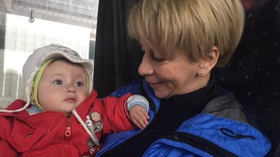 Doktor Liza Otpravilas V Doneck Za Detmi Stati Izvestiya