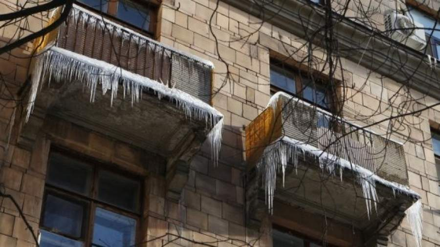Цены на очистку снега с крыш