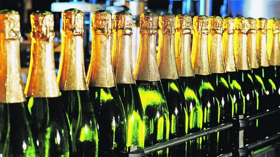 ДоНового года в РФ проведут масштабную проверку разработчиков ипродавцов шампанского