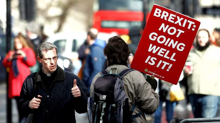 Достучаться до ЕС: Лондон требует отложить Brexit