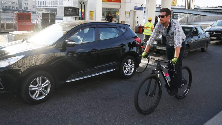 Горючее предложение: спрос на бензин рекордно упал