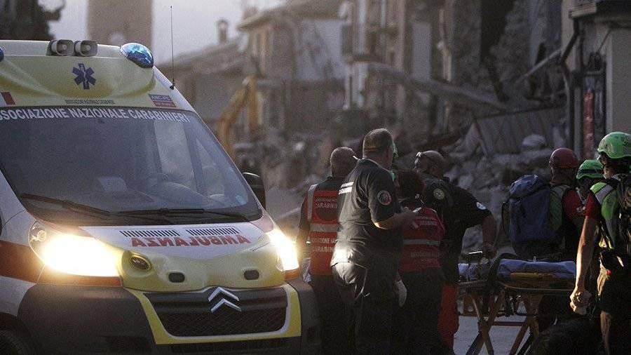 Восемь человек пропали без вести после обрушения дома вИталии
