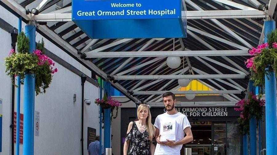 Родители смертельно нездорового Чарли Гарда отказались отего последующего лечения