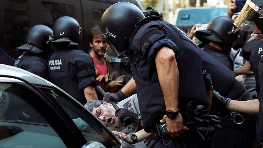Против исламизации Европы митингуют вБарселоне