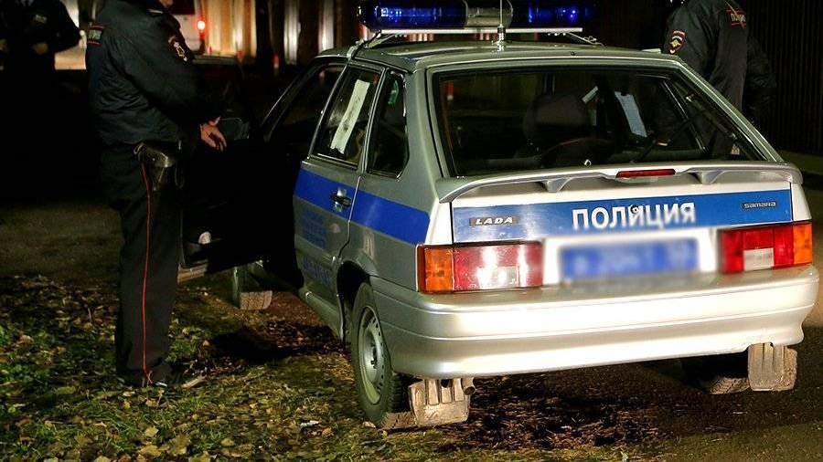 Двое мужчин несколько недель держали вплену 92-летнюю москвичку, вымогая квартиру