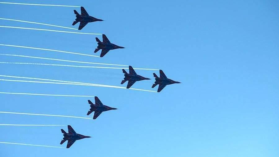 Самолёты вылетают нарепетицию авиапарада вчесть 105-летия ВКС Российской Федерации