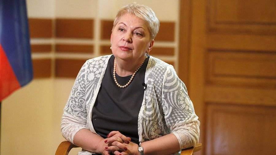 Васильева считает неприемлемым  использование девайсов  науроках