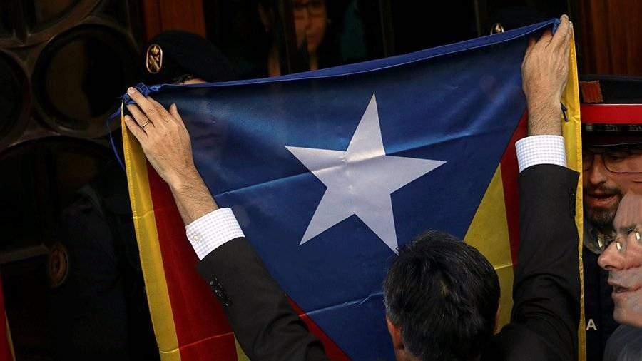 Членов руководства Каталонии оштрафовали за компанию референдума
