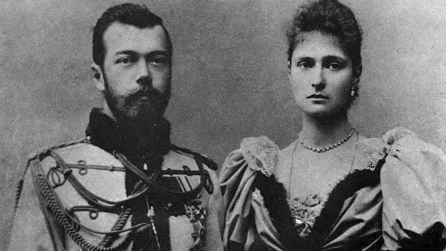 Билборды сцитатами изпереписки царской семьи установили в столице России