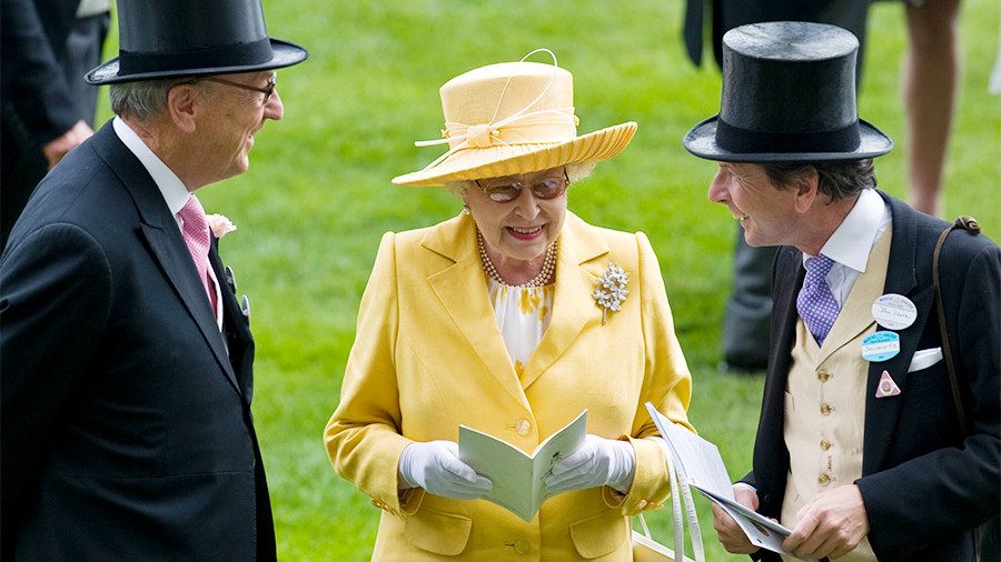 Королева Великобритании заработала 7,5млневро налошадях