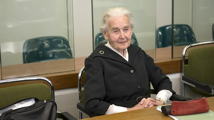ВГермании 88-летняя гражданка осуждена заотрицание Холокоста