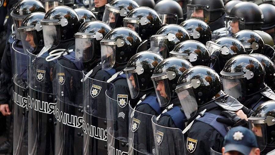 ВКиеве милиция предприняла штурм палаточного городка уздания Рады