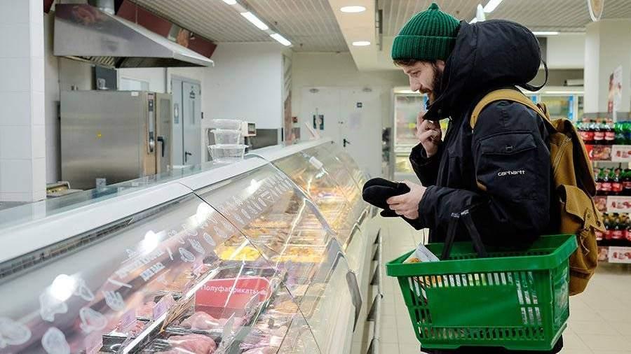 Специалисты: жители России предпочитают покупать отечественную колбасу поакциям