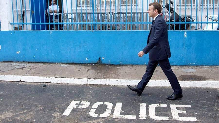 Француженки просят Макрона принять план действий против насилия вотношении женщин