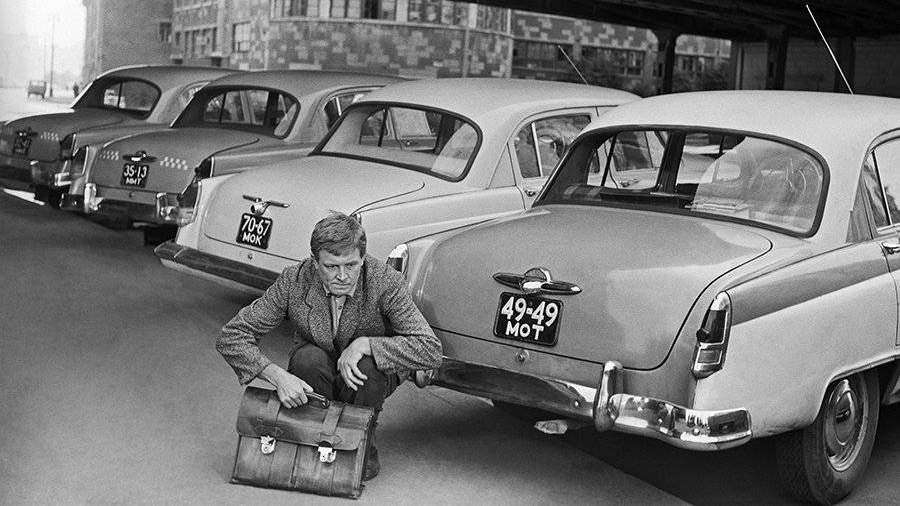 Советский фильм «Берегись автомобиля» выйдет кюбилею Эльдара Рязанова вцвете
