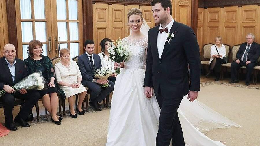 Впервый раз  затри года в Российской Федерации  выросло число свадеб