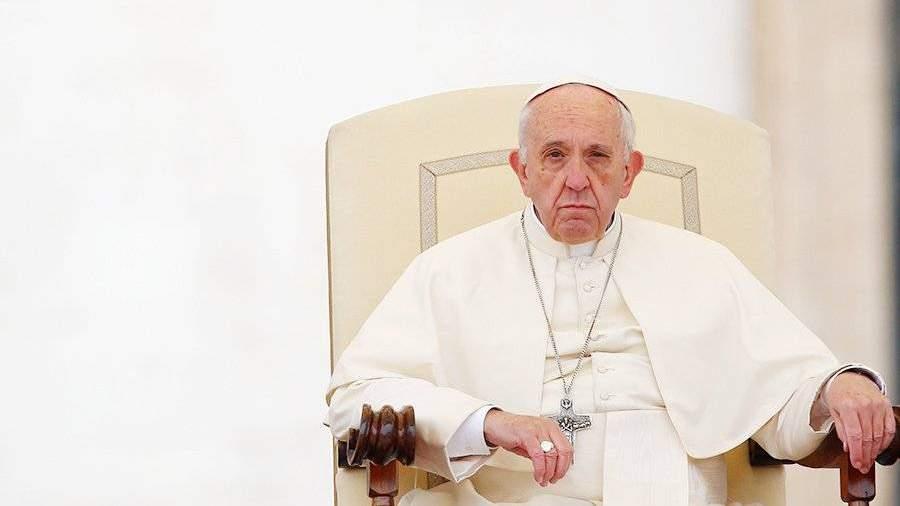 Папа Римский поведал, что чувствует, когда засыпает вовремя молитвы