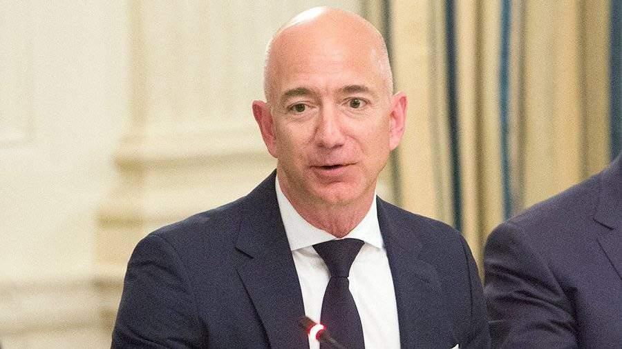 Руководитель Amazon реализовал 1 млн акций онлайн-ритейлера