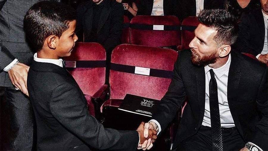 «Спасибо, мой любимец, Лео Месси»— Сын Роналду