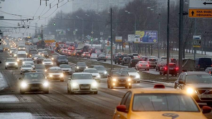 В столице пробки на трассах достигли 8-ми баллов