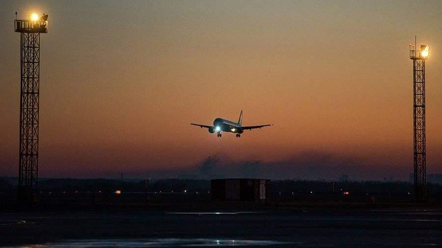 Самолёт вТаиланд вернулся вНовосибирск из-за болезни пассажира