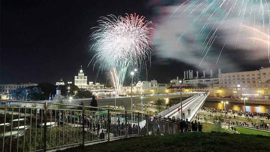 Фейерверки в столицеРФ вНовый год запустят с36 площадок