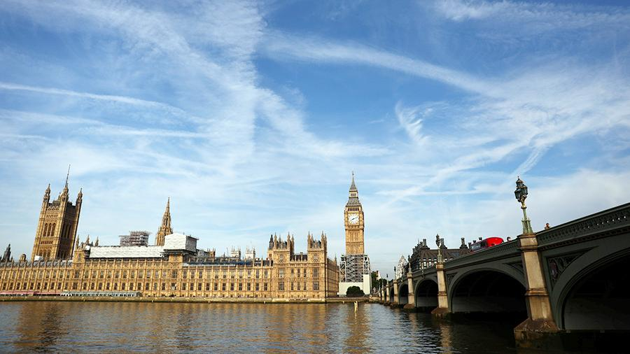 Из-за угроз терактов спецслужбы Великобритании возвращают вштат уволенных служащих