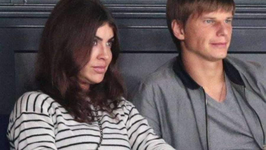 Супруга Аршавина вовремя скандала всамолёте назвалась майором ФСБ— Аэрофлот