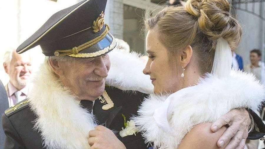 Иван Краско прокомментировал роман собственной  27-летней супруги  смолодым певцом