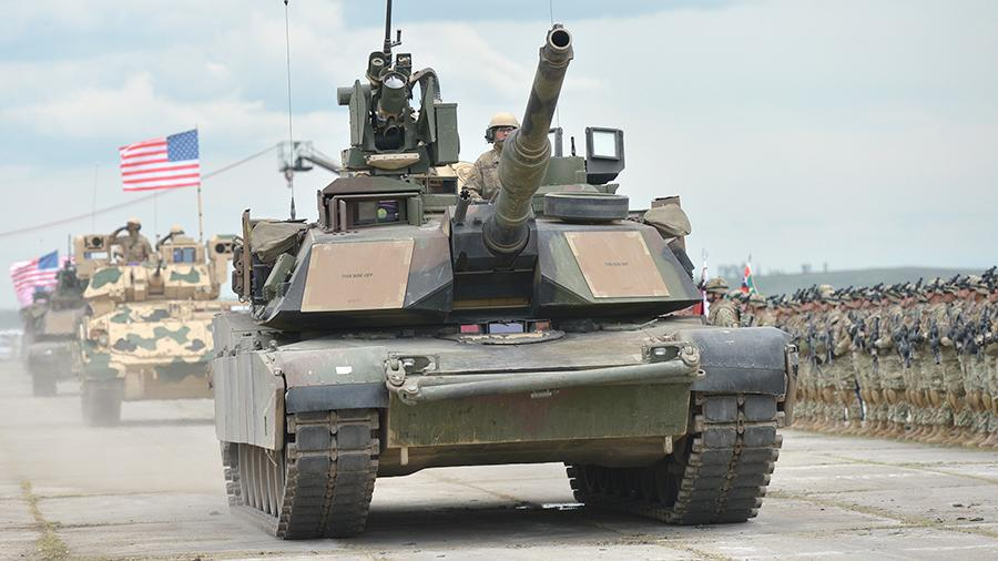 США приступили к переброске военной техники в Восточную Европу