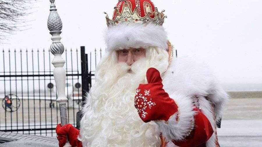 Дети из неблагополучных семей получили от Деда Мороза кеды Gucci