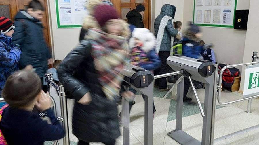 Власти Приморья оправдались за лекцию «криминальных авторитетов» в школе