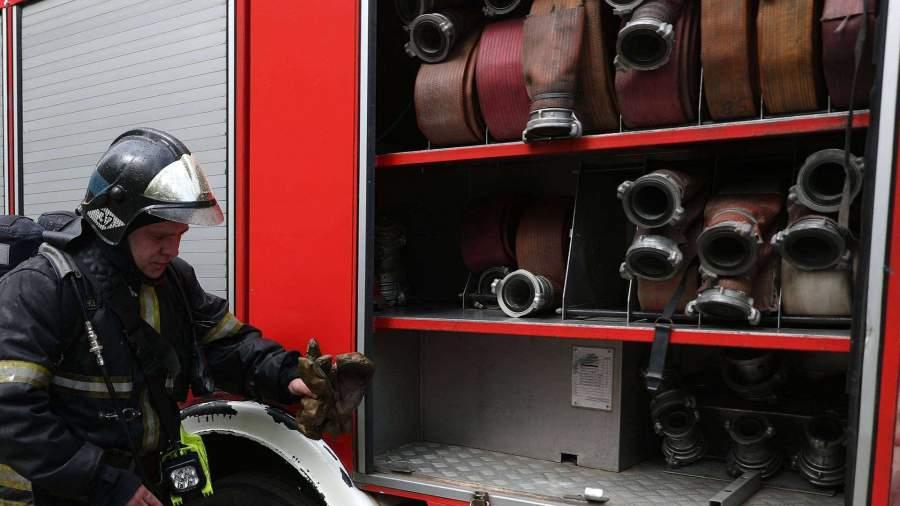 Два человека пострадали в крупном пожаре в Челябинске