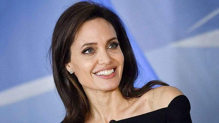 Названы причины ухода Анджелины Джоли из кино | Новости ... анджелина джоли кинопоиск