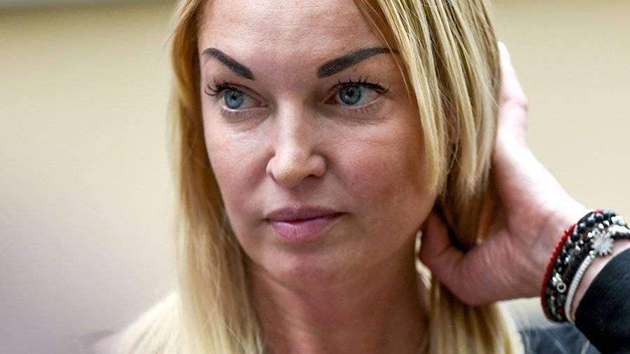 Ольга Бузова дизайнер и фигуристка рекомендации
