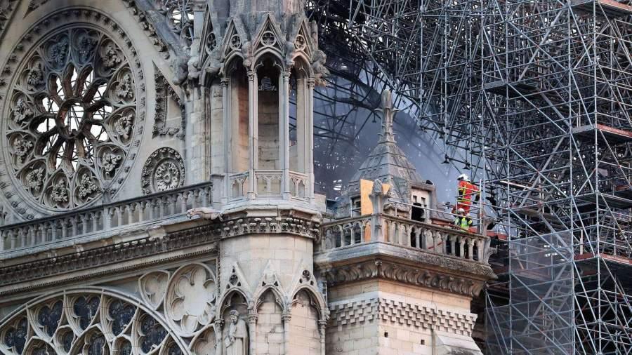 Следствие считает пожар в Нотр-Даме непредумышленным