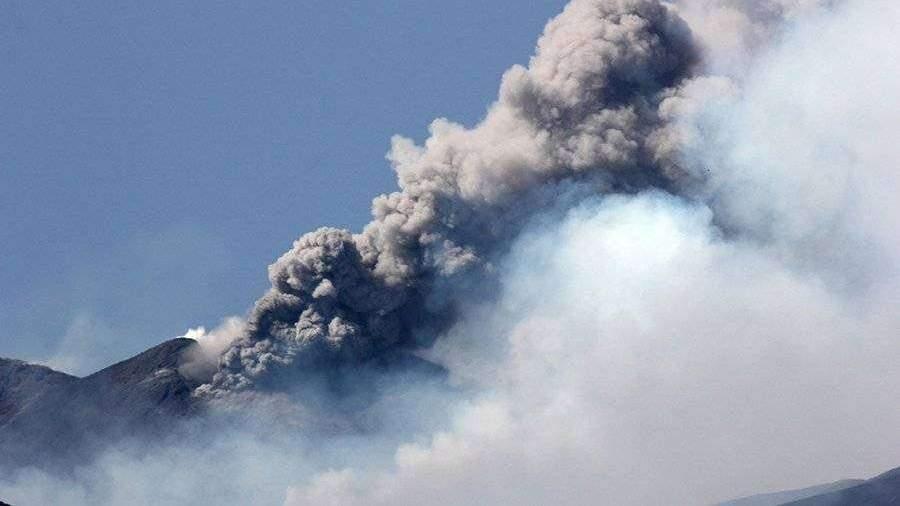 Ученые предупредили о риске катастрофического извержения вулкана в США