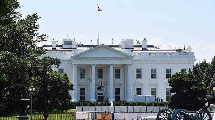 Эксперт назвал США «увядающей сверхдержавой»