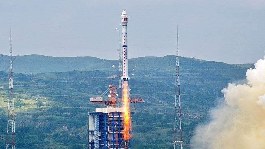 Lachin avèk siksè mete nan òbit twa satelit