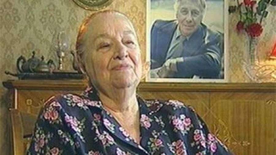 Дочь Папанова опровергла сообщения о смерти матери