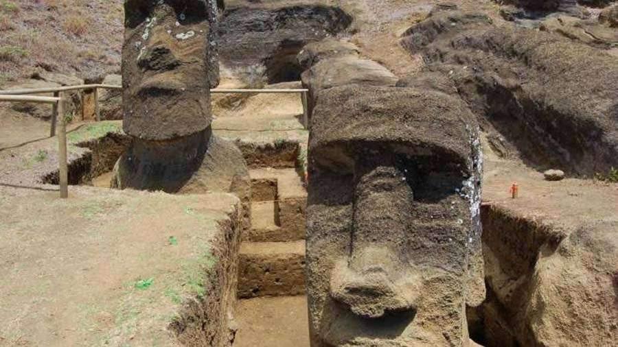Группа археологов решила загадку каменных истуканов на острове Пасхи