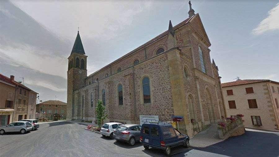 Глава коммуны во Франции запретила жителям умирать в выходные