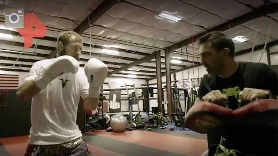 Серроне показал видео тренировок перед боем против Макгрегора