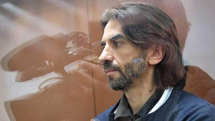 Мосгорсуд оставил под арестом акции по делу Абызова