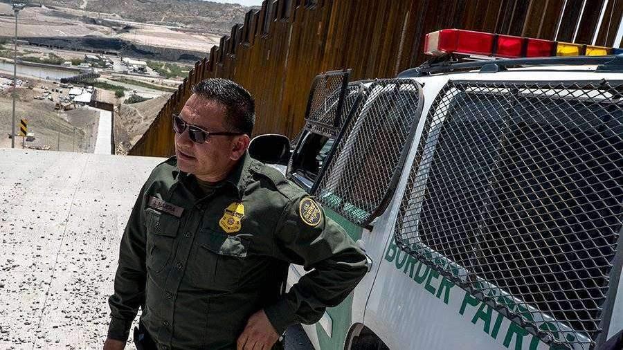 Белый дом предложил направить еще $3,8 млрд на стену с Мексикой