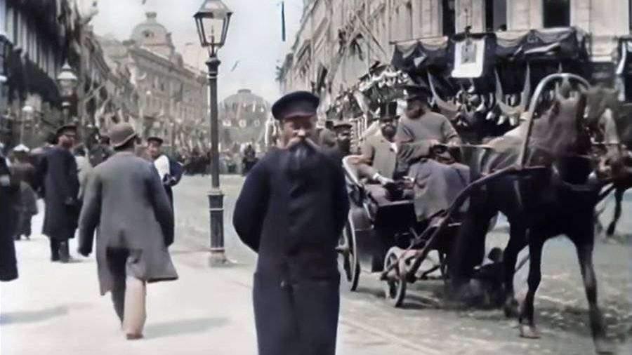 Нейросеть раскрасила первое видео о Москве 1896 года