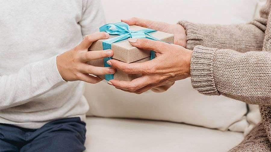 ВЦИОМ рассказал о желаемых подарках на 23 февраля